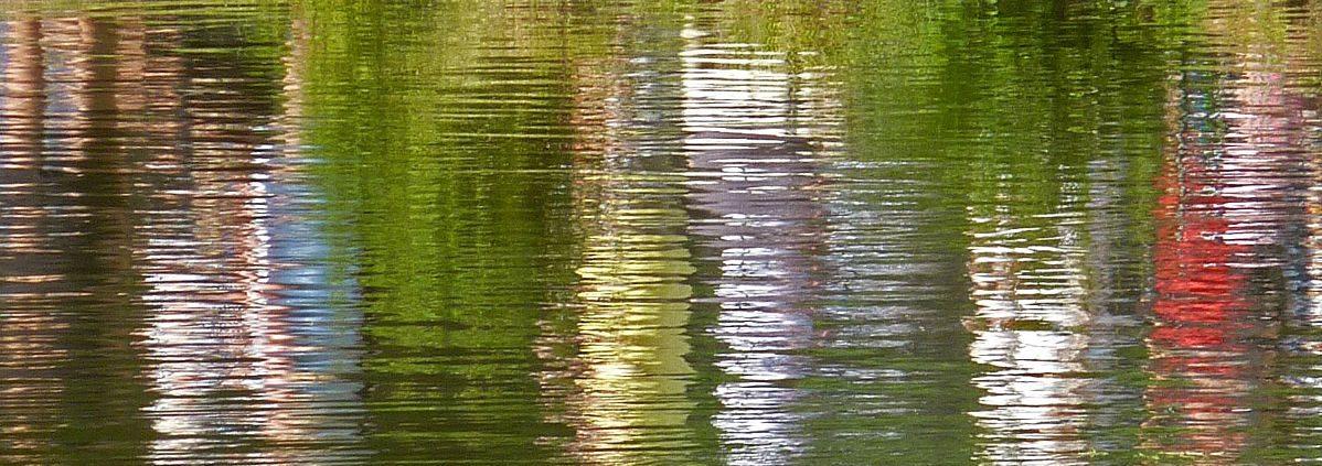 Wasserreflexionen